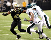 New Orleans Saints cornerback Patrick Robinson pursues Philadelphia Eagles WR DeSean Jackson